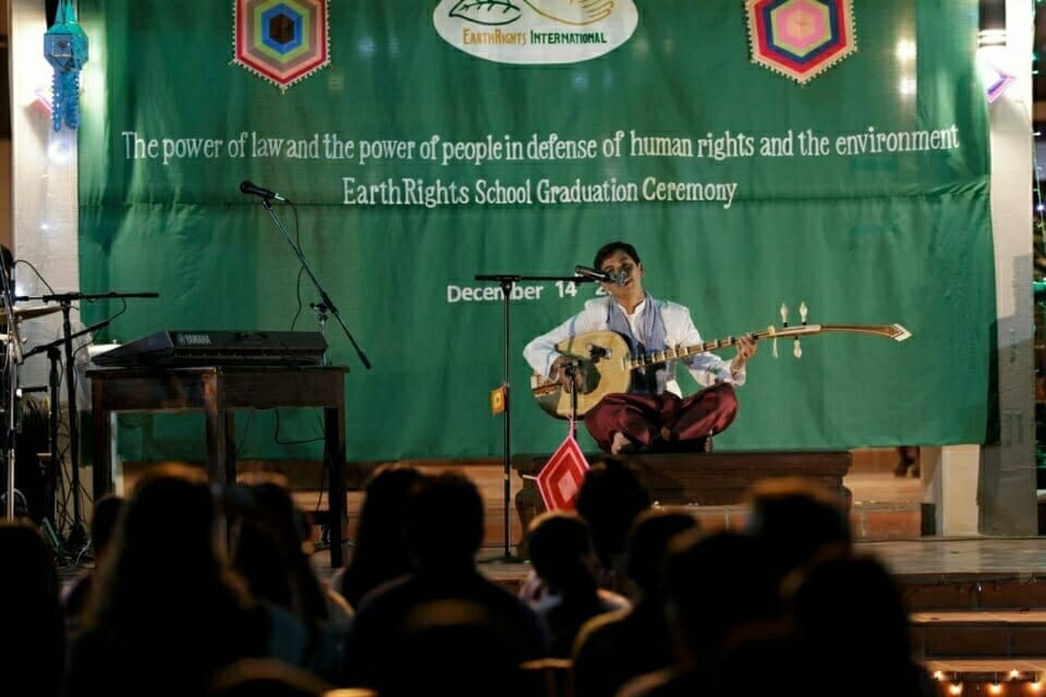 Phin Saway, a Cambodian student, performed with a traditional instrument called Chapei Dang Veng. As a talented Chapei player, Saway also shared stories and his journey at the EarthRights School during his performance.