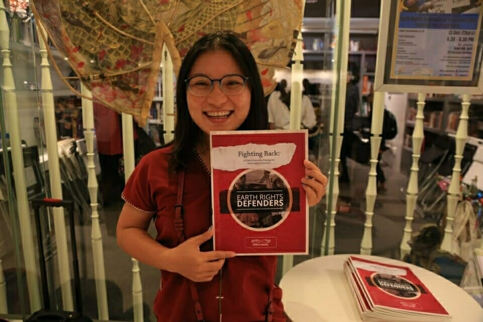Mueda Nawanat, Bertha Justice Fellow in ERI's Chiang Mai office, showcases the new report.