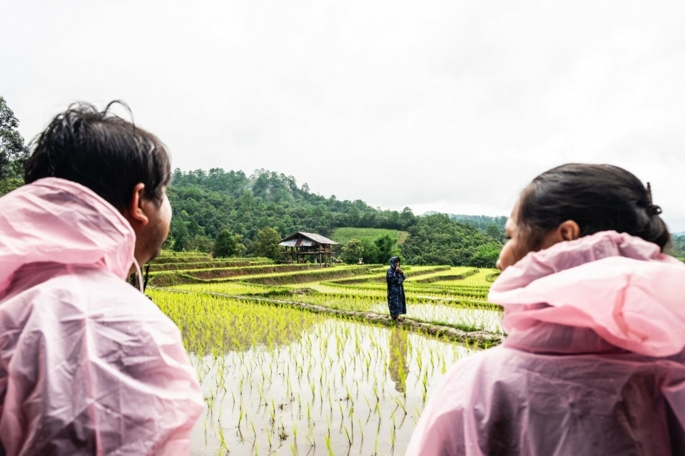 Two EarthRights School students from Thailand and Vietnam discuss how climate change has led to increased use of chemicals and new challenges for the farmers of Ban Nong Tao.