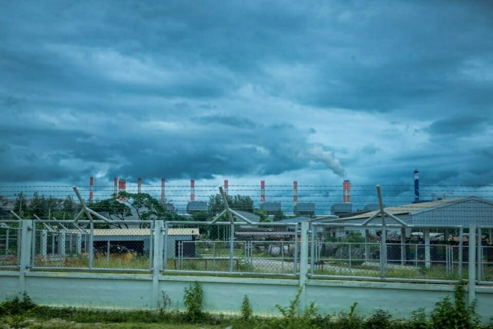 Greenpeace reported that the Mae Moh power plant produces more the 7 million tons of carbon dioxide, 39 tons of mercury and 4 million tons of ash each year. Thousands of people are suffering from respiratory ailments and it's estimated that 300 deaths have been caused by the impacts of this pollution.