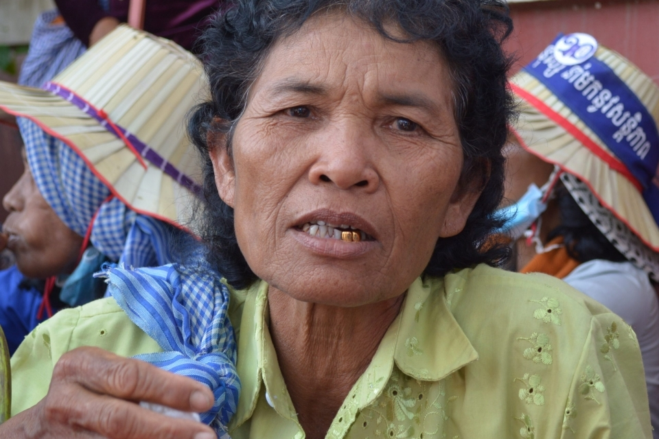 Khoun Ley, a 66 year old woman from Brolay commune in the Araeng Valley, would like to ask the government to stop intimidating and putting pressure on the villagers when they advocate for their rights in connection to the proposed Chhay Araeng hydropower dam that will push them to resettle.